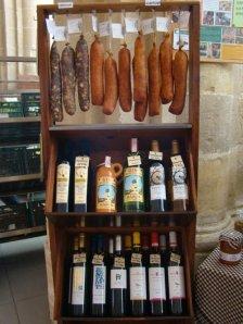 L'embotit, l'oli i el vi.